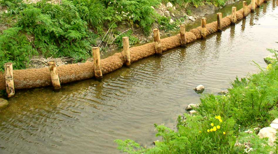 Génie végétal : boudins de coco, géotextile biodégradable en fibres naturelles