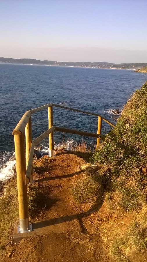 Garde-corps sur le sentier du littoral de St-Tropez