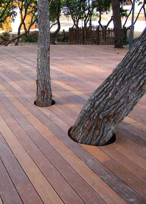 Platelage bois et réserve