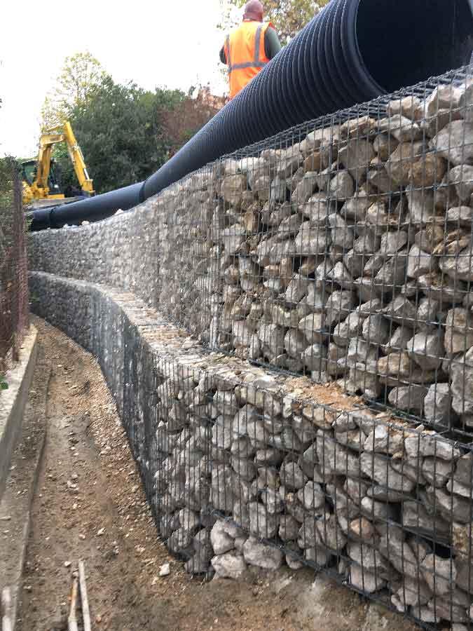 Mur courbe en cage gabions éléctrosoudés