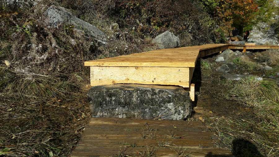 Cheminement en bois, intégration dans le paysage