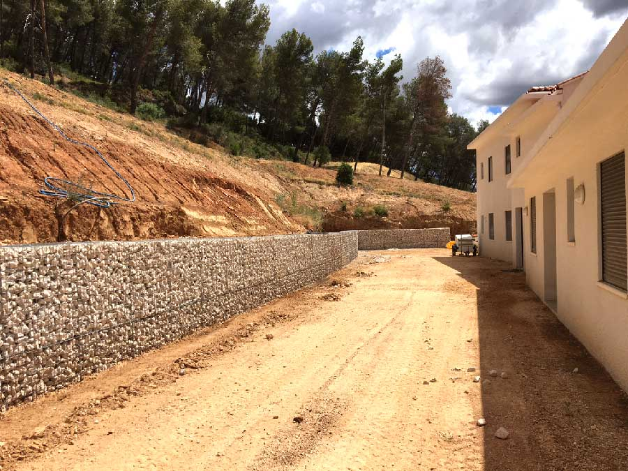 Mur de soutènement en gabions