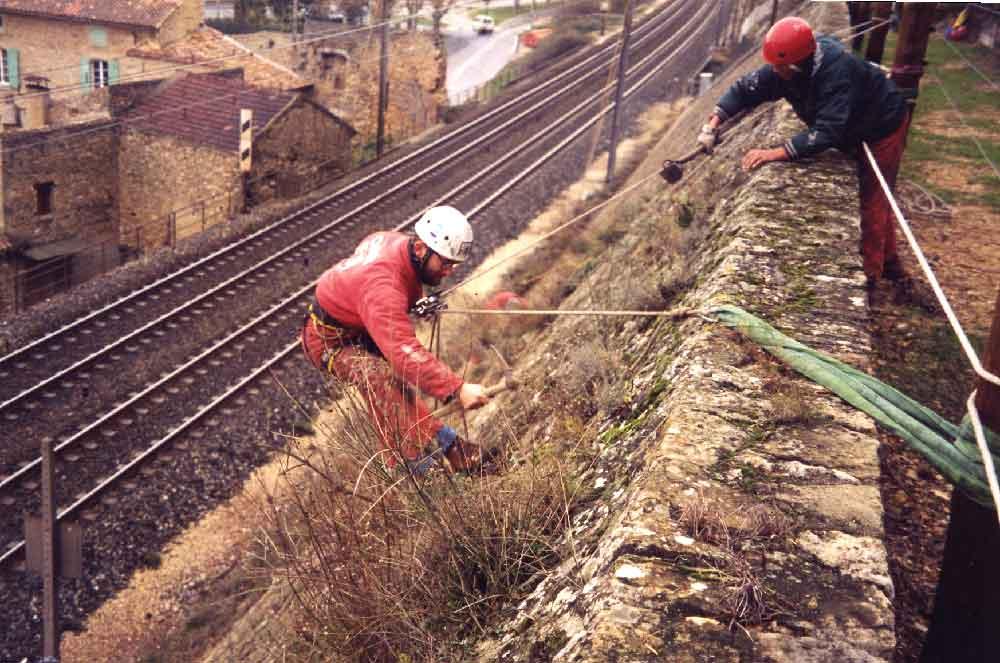 Entretien de voies ferrées et infrastructures linéaires