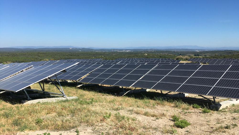 Clôture en gabions sur le parc photovoltaïque de Lauzières