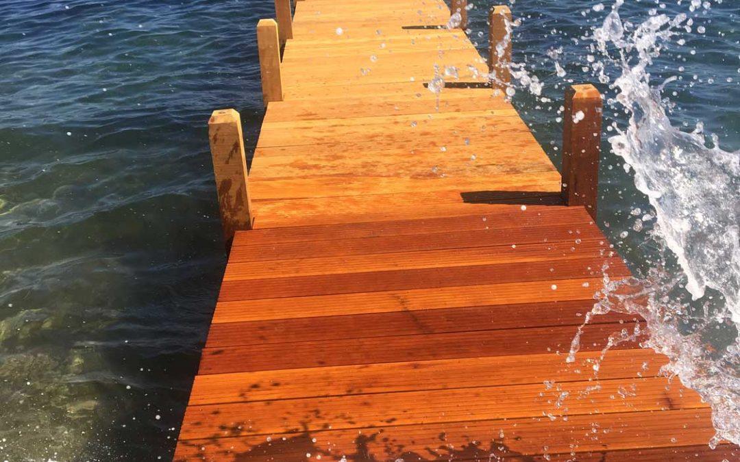 Ponton bois démontable sur le littoral / Golfe de Saint-Tropez (Var, 83)