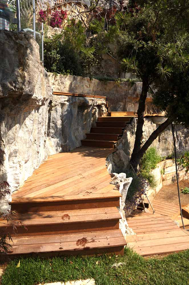 Cheminements et escalier en bois
