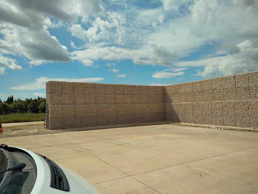 Mur anti-bruit en gabions pour avions