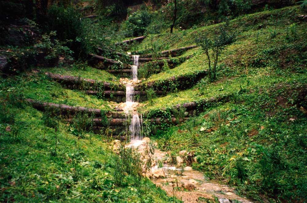Seuils bois ou barrages-bois : stabilisation du lit et restauration du Rossignol, ville de Grasse
