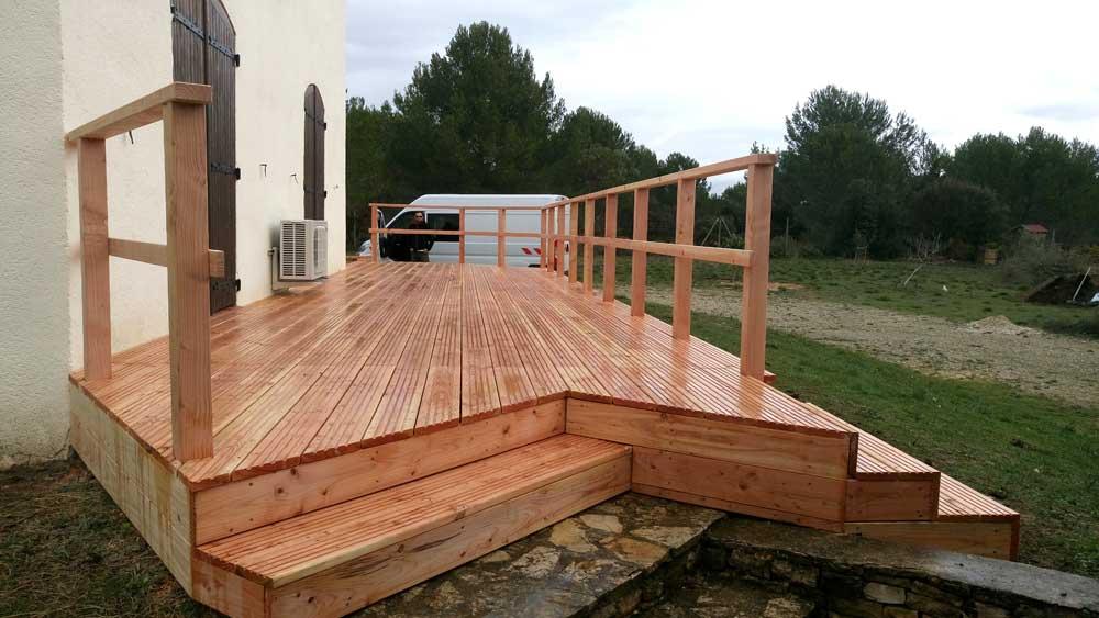 Terrasse bois et marches en bois