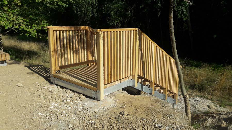 Aménagement bois - Construction d'un escalier sur-mesure pour le parc