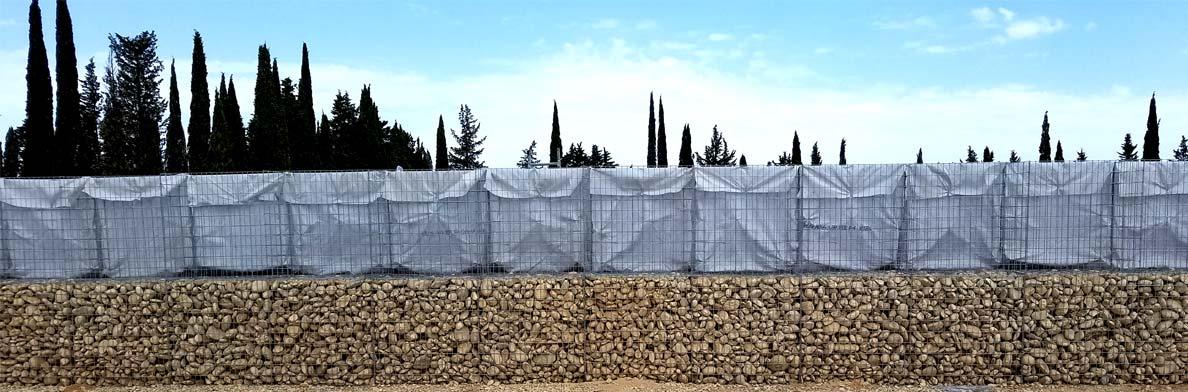 Mur anti-bruit en gabions et noyau de sable