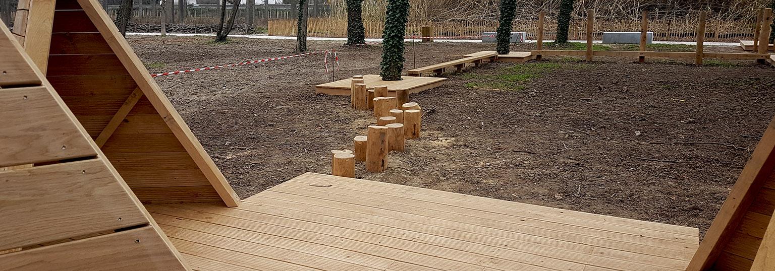 Mobilier bois aire de jeux