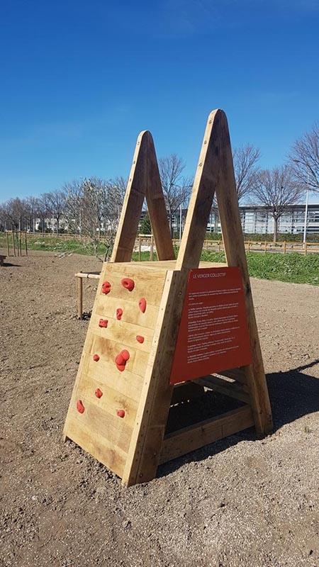 Mobilier bois aire de jeux escalade
