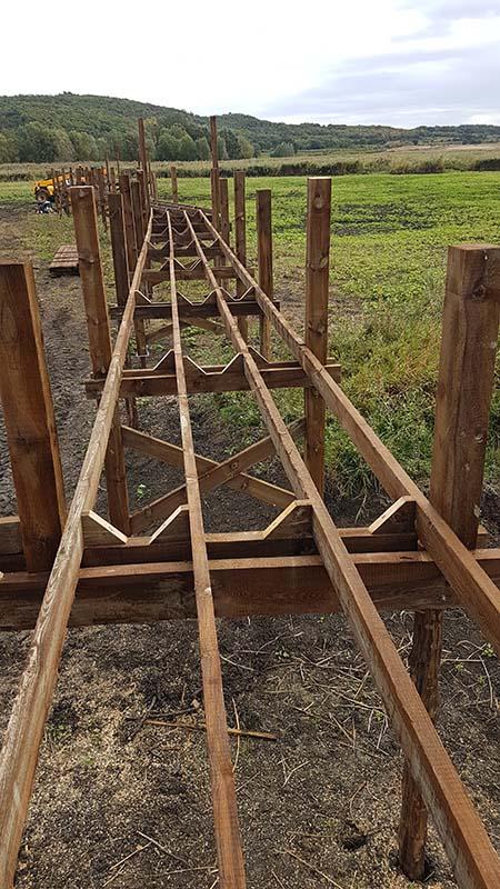 Structure d'un ponton en pieux battus