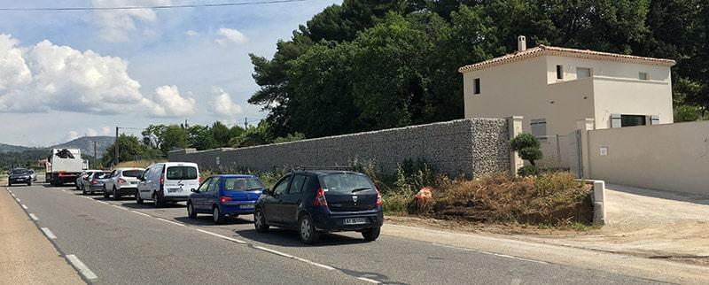 Mur de clôture anti-bruit en gabions