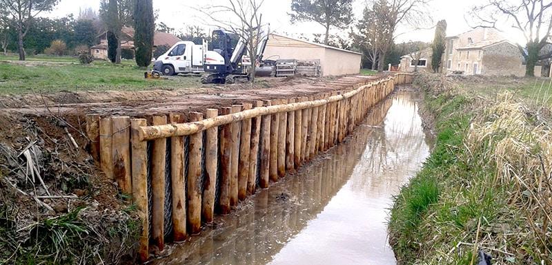 Tunage bois sur canal - Bouches-du-Rhône